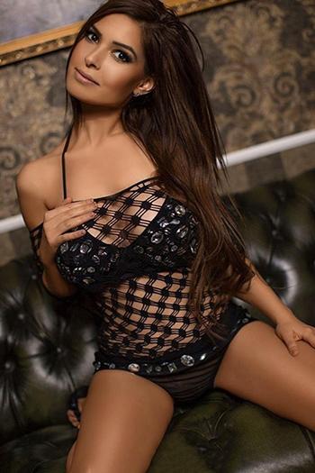 Modelo escort Berlin Gabi super figura mima con sexo anal masaje striptease