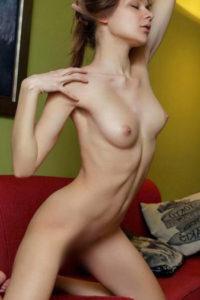Ingeborg Escort Berlin Grecia Petite Woman Joven Modelo Anal