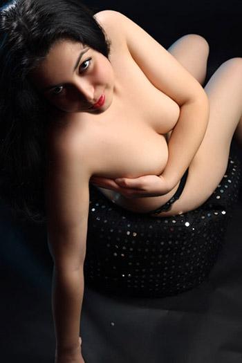 Kira Girl hairless Bulgaria juegos de ducha y baño sexo con modelos escort de grabación Berlín