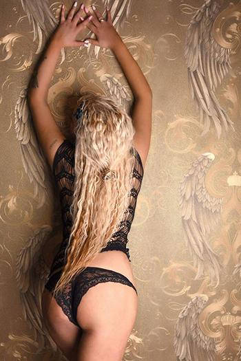 Primera escort de clase alta top model Berlin Melani de Rusia top sex service call girl